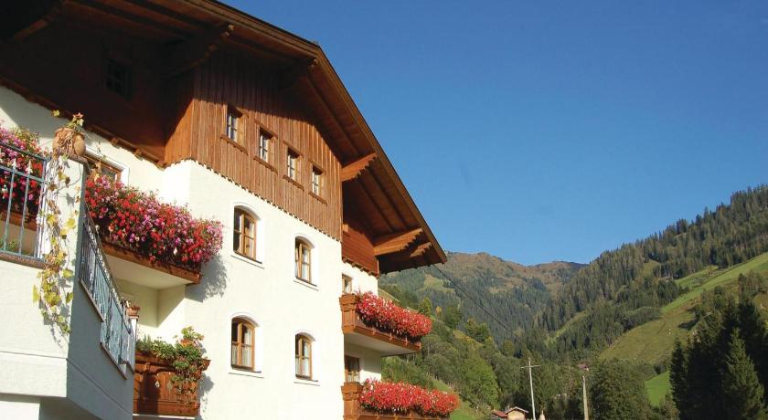 Best time to travel Austria Apartment Grossarl