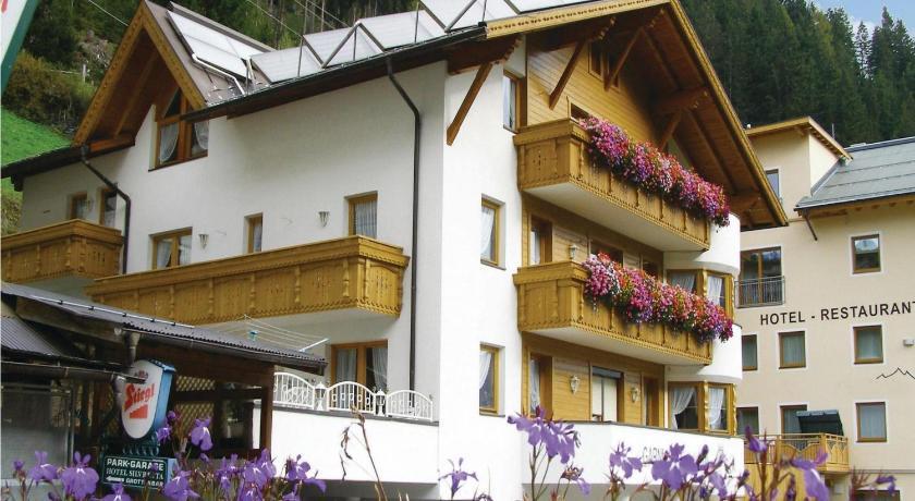 Best time to travel Austria Apartment Höfen II