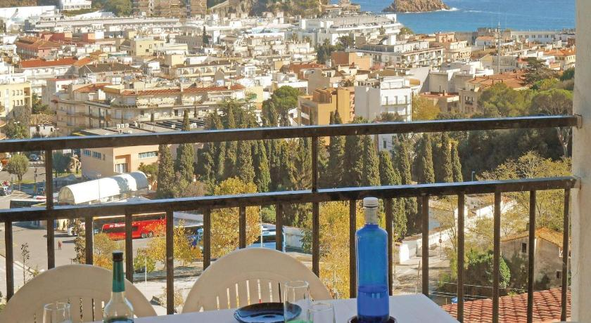Best time to travel Costa Brava Holiday Apartment Tossa de Mar 08