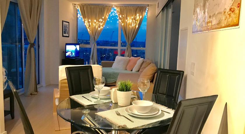 Simply Comfort. Amazing Downtown Apartments