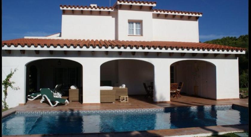 Best time to travel Spain Villa Macarena menorca