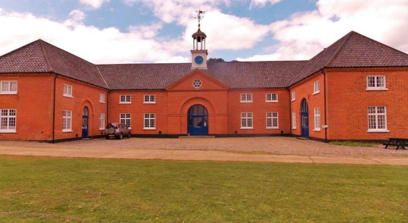 Best time to travel United Kingdom The Stables at Henham Park