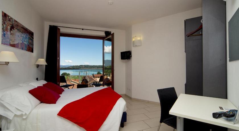 Best time to travel Italy Hotel La Locanda