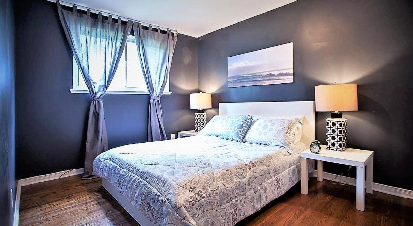Lavish Suites - Four Bedroom Guest House - North York