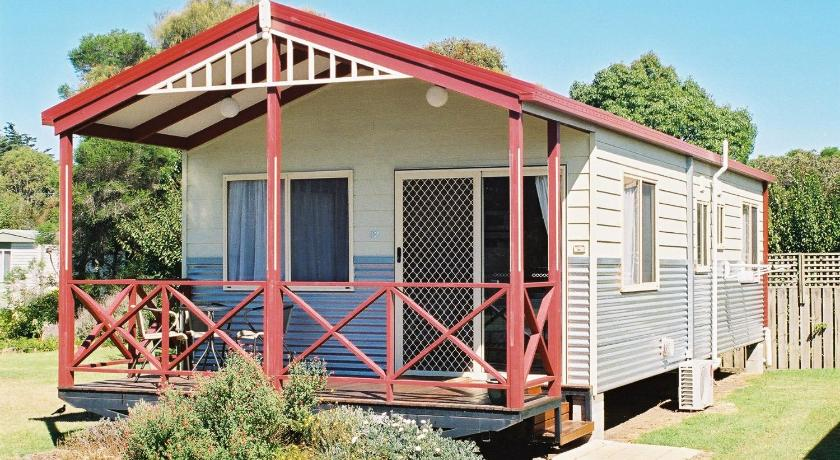 Three-Bedroom Villa Ocean Grove Holiday Park