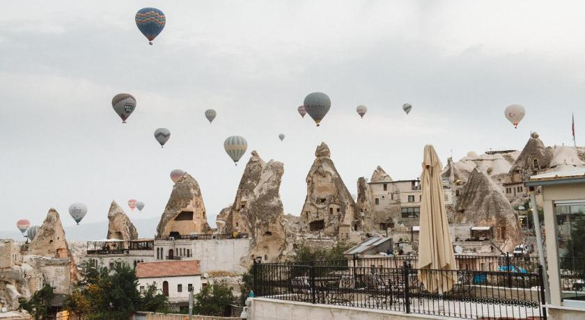 Best time to travel Turkey Charming Cave Hotel