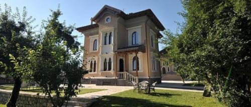 Best time to travel Italy Albergo Villino Quintiliani