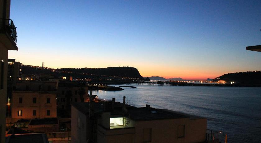 Best time to travel Naples Maison Elisa