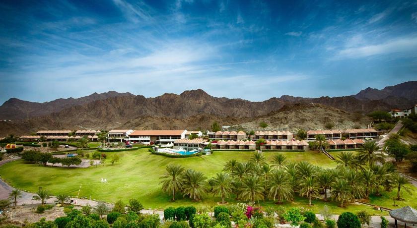 Best time to travel United Arab Emirates JA Hatta Fort Hotel