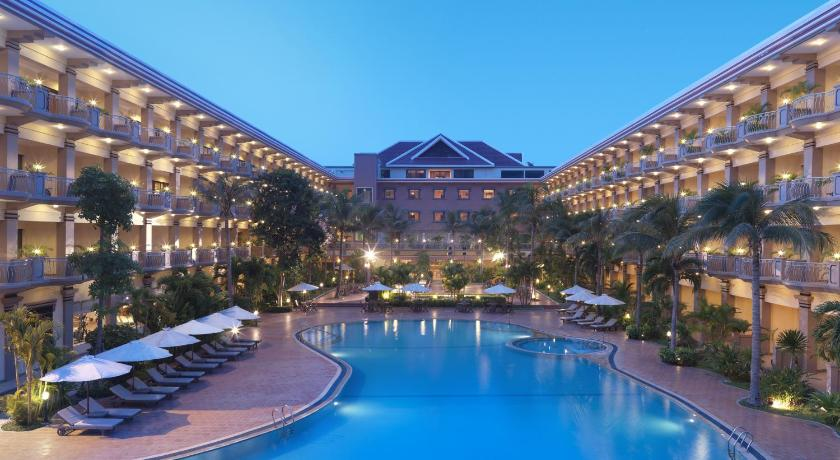 Best time to travel Siem Reap Angkor Howard Hotel