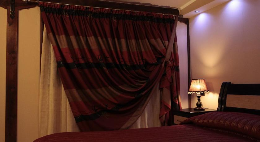 Double Room Guest House Bujtina Leon