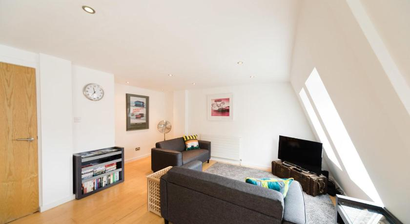 Best time to travel Brighton Trafalgar House Apartment Three