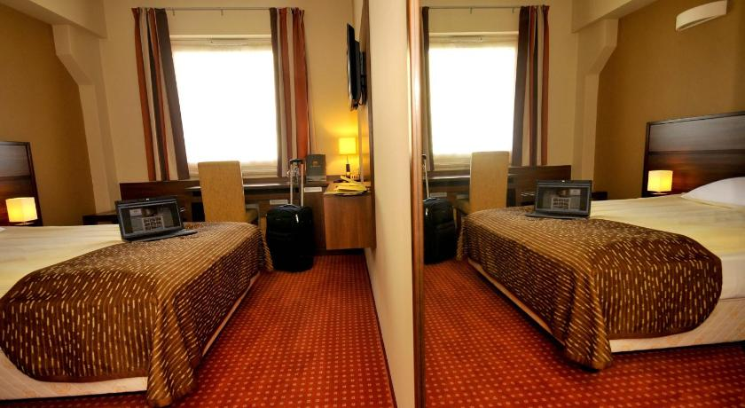 Single Room Hotel Teczowy Mlyn