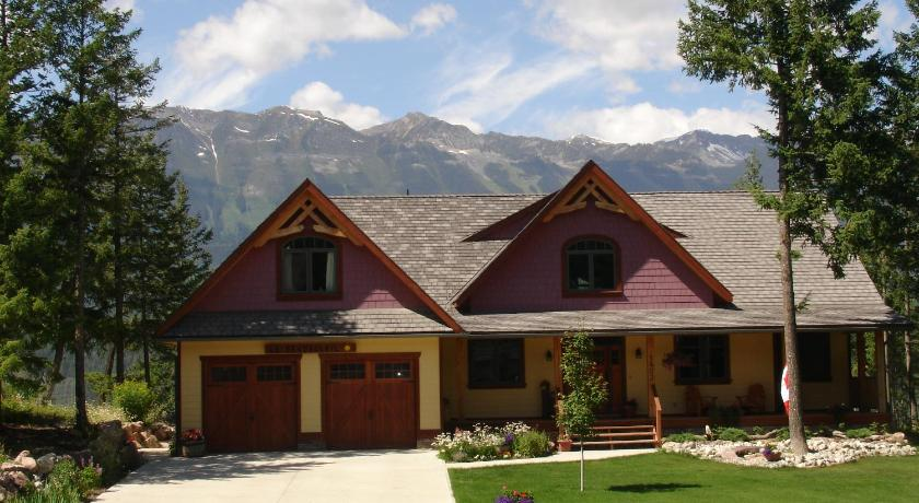 Best time to travel Canada Le Beausoleil Bed and Breakfast