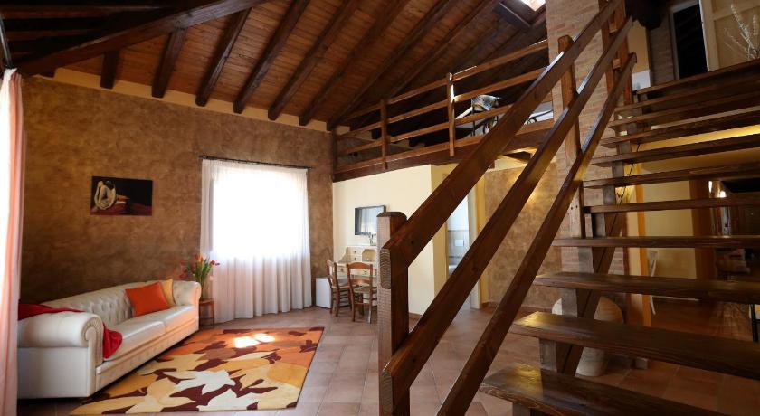 Best time to travel Italy Agriturismo Creta Rossa