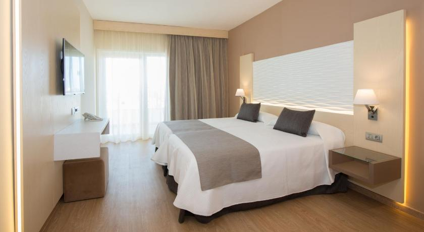 Best Price On Hl Suitehotel Playa Del Ingles Adults Only In Gran
