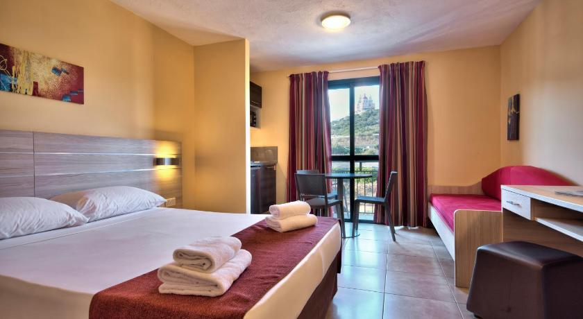 Best time to travel Malta Luna Holiday Complex