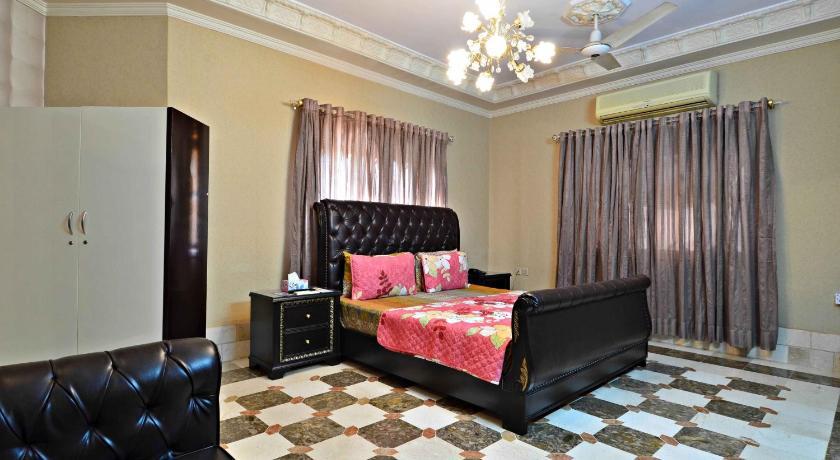 BlueSky Guest House 6-S, Block 6, P E C H S, Near Delhi