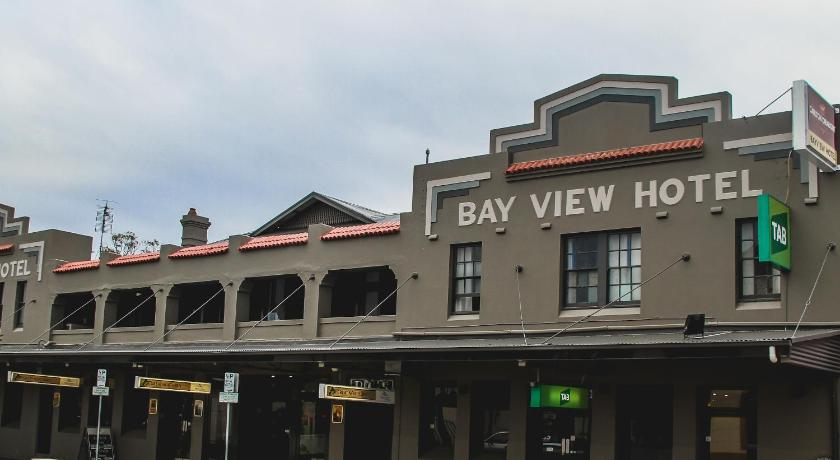 More about Bayview Hotel - Batemans Bay