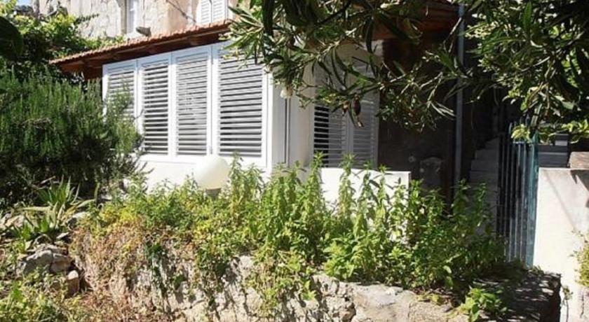 Best time to travel Dubrovnik Apartment Kalamota