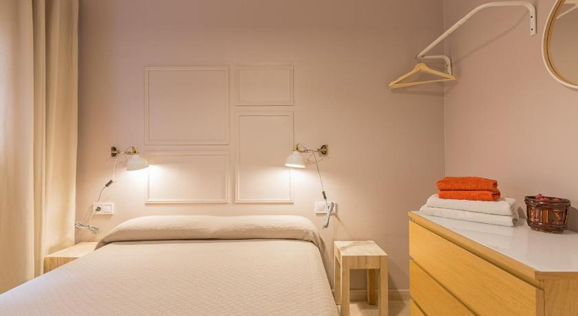 ApartEasy - Plaza España & Fira - Barcelona