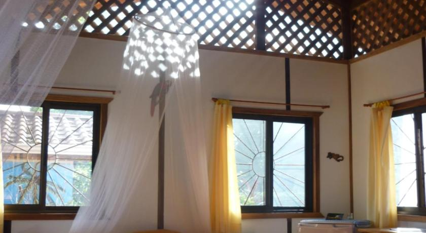 One-Bedroom Bungalow (2-4 Persons) Cabinas Yamann