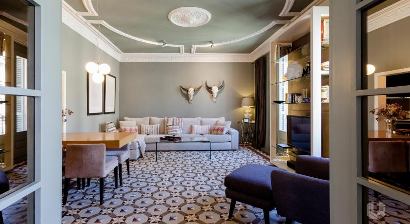 Unique Rentals - Luxurious Oasis - Barcelona