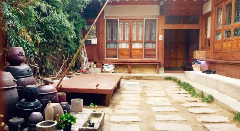Best time to travel Seoul Gongsimga Guesthouse