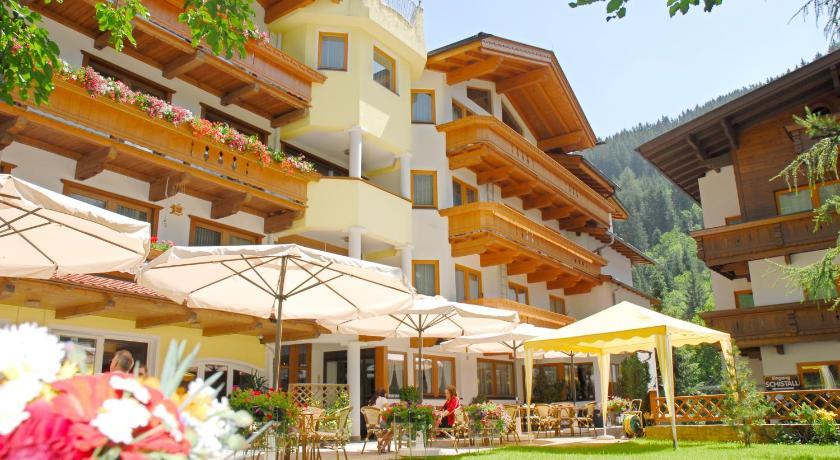 Best time to travel Austria Hotel Pinzger