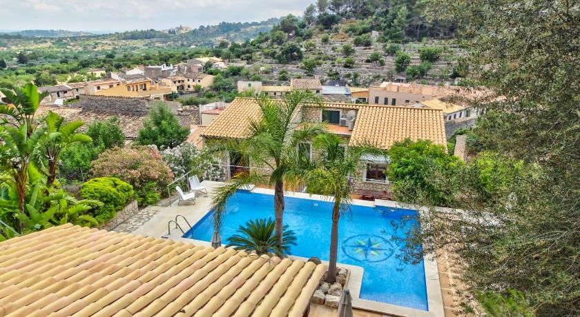 Best time to travel Balearic Islands Villa Caimari