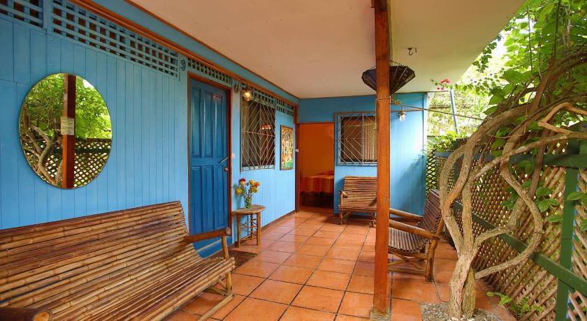 More about Cabinas Jacaranda