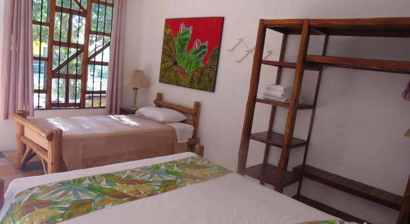 More about El Mono Loco Hotel