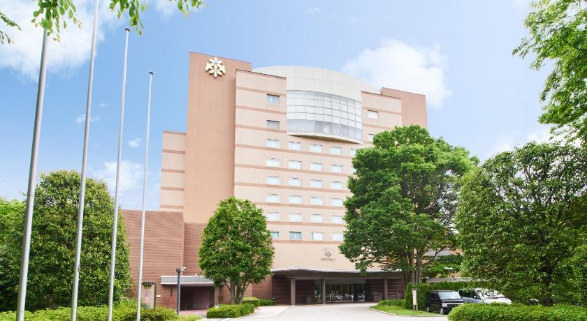 Best time to travel Japan Forest Inn Showakan