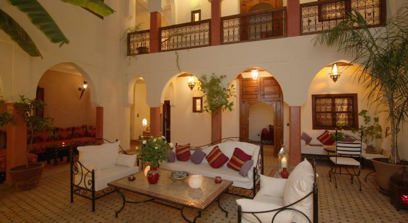 Best time to travel Morocco Riad petit Karmela