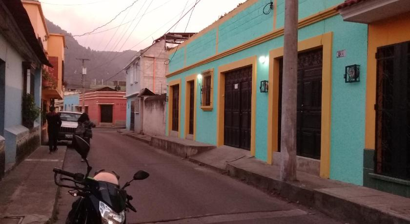 Best time to travel Quetzaltenango Residencia du Monde