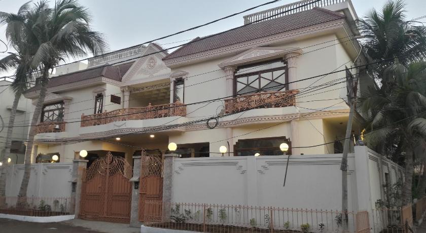 Best time to travel Karachi Hotel Seven 7