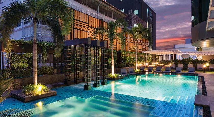 Best time to travel Bangkok Solitaire Bangkok Sukhumvit 11