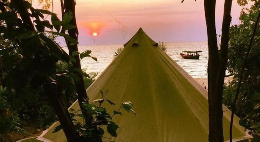 Best time to travel Cambodia Robinson Bungalows