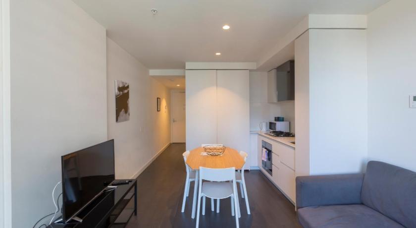apartments melbourne domain city lofts formerly. Black Bedroom Furniture Sets. Home Design Ideas