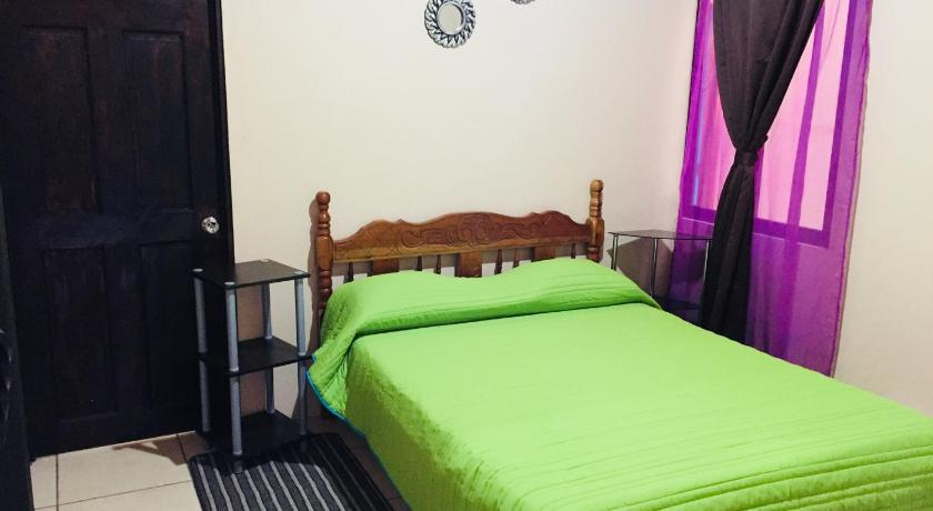 Double Room Hostal Coati Place B&B