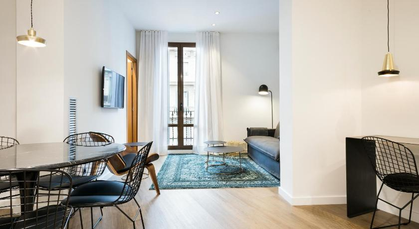 Uma Suites Luxury Midtown - Barcelona