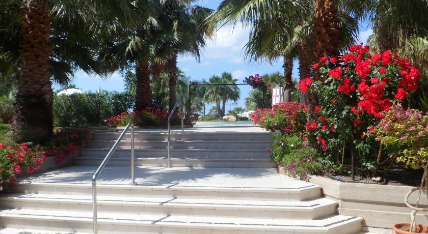 Acacia Resort Parco Dei Leoni Litorale Himera Campofelice di