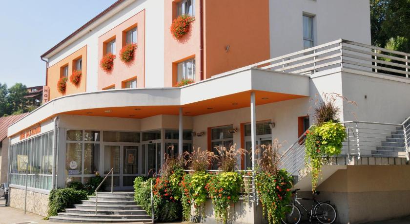 Best time to travel Slovenia Hotel Bela Krajina