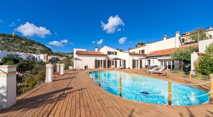 Best time to travel Spain Seven Suites Villa