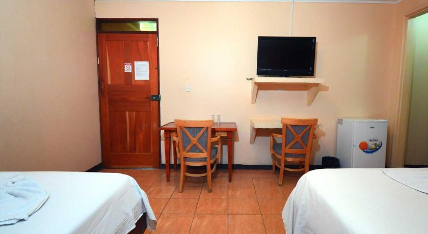 Deluxe Triple Room Hotel Naranjal