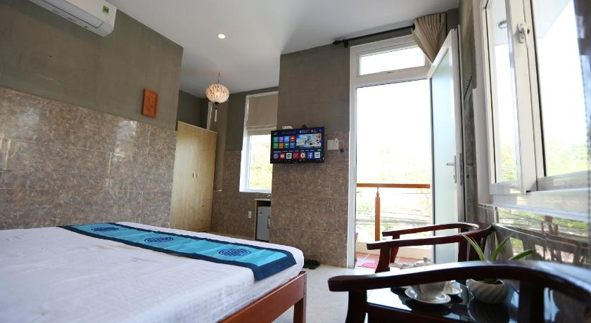 King Room with Balcony An Bang Beach Town Homestay