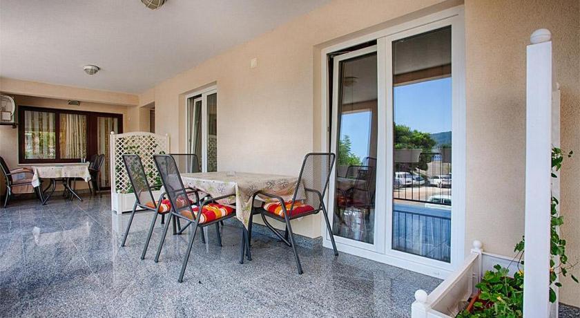 Best time to travel Croatia Apartment Komiza 12325b