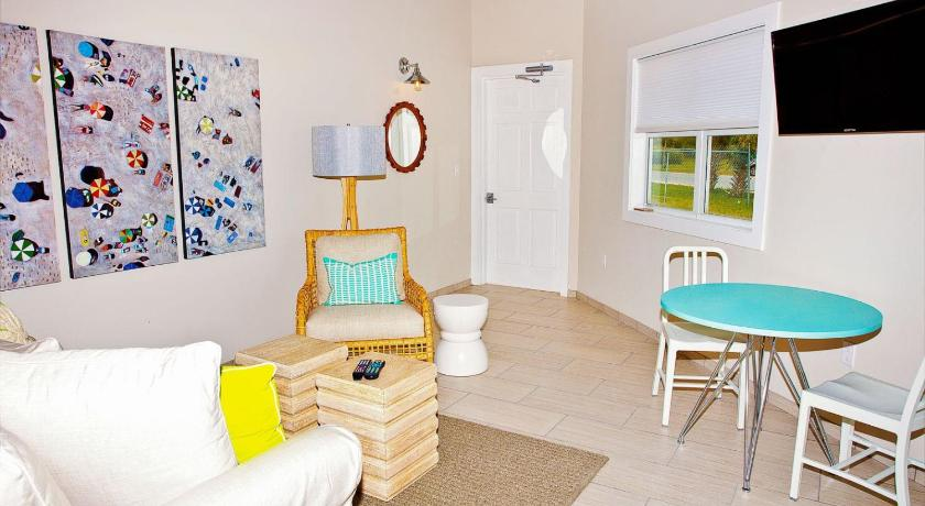 Best time to travel The Bahamas Cape Eleuthera Resort & Marina