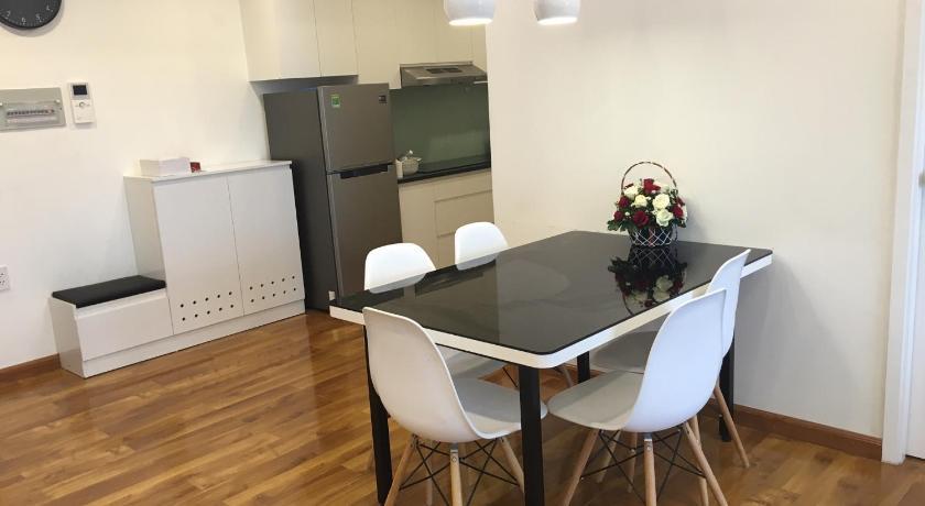 Nancy Thuy Tien Apartment 1311