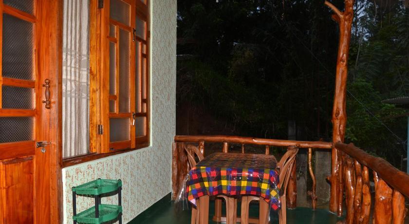 Best time to travel Sri Lanka Pine Shadow